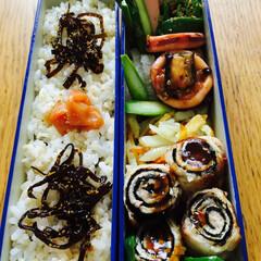 おべんとう 海苔巻き豚肉と野菜のお弁当  たくさんい…