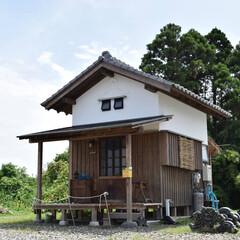 断捨離/スモールハウス/タイニーハウス/省エネ/月々電気ガス水道6000円/低所得で豊かな暮らし/... 断捨離に相応しい住宅です。 キッチン・水…