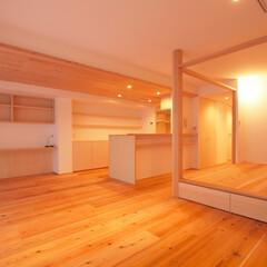 土間スペースと小上がり寝室・床下収.../リノベーション/リフォーム/マンション/LDK/リビング/... ■小上がりは、多目的な使い方が出来る空間…