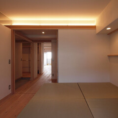 窓際造作ベンチと多様性のある小リビ.../リノベーション/リフォーム/マンション/間接照明/小上がり/... ■北側フリールームは玄関ホールと一体に■…