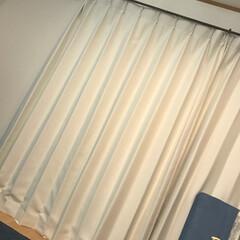 アイアンレール/リビングカーテン/カーテンズ/パーフェクトホワイト やっとカーテン付けれたけどうまく写真撮れ…