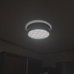 アイアン照明/キッチン照明/おしゃれ照明/楽天市場/RAUTA/ledペンダントライト キッチンの照明変えました! しかし暗くて…