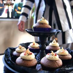 ハロウィン/パーティ/ビートルジュース/カップケーキ ハロウィンパーティにて。  映画ビートル…(1枚目)