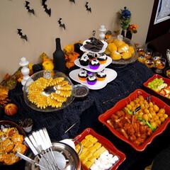 ハロウィンパーティ/キッズパーティ/料理/ディナー/飾り付け 9子供人分の食事です。 どのくらい食べる…