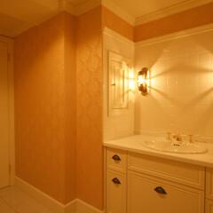 リノベーション/輸入クロス/洗面室/かわいい 洗面室のクロスはピンクに♡柄が入るだけで…