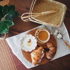 暮らしのキロク/竹の道具/木のお皿/無印良品/ベーコンエピ/クロワッサン/... いつかの昼ごパン🥐 美味しいクロワッサン…