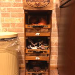 ワトコオイルミディアムウォルナット/すのこ板/セリア麻袋/セリア取っ手/セリア木箱/野菜ストッカー/... ベジタブルストッカー  作ったのは201…