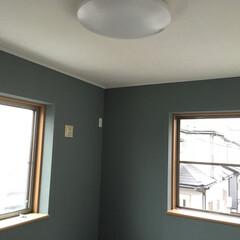 男子部屋/ペンキ/壁塗り/セルフ/DIY 二回男子部屋を白からグレーにカラーチェン…