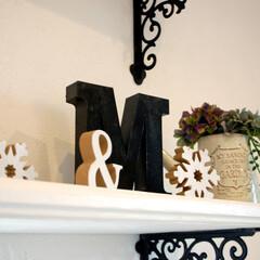 飾り棚/フレンチアンティーク/ブラケット/キッチン/輸入住宅/見せる収納/... キッチン裏の飾り棚には、フレンチアンティ…