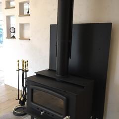 漆喰/自然素材/薪ストーブ/薪ストーブのあるくらし 家全体が暖まる薪ストーブは 煮込み料理や…