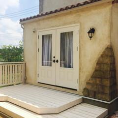 外壁オメガ/輸入瓦/モルタル造形/エイジング加工/カフェのような家/ウッドデッキ/... ウッドデッキ
