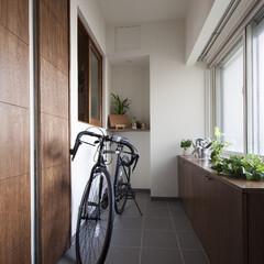 土間/遮音/防音/ナチュラル/風通し/目隠し/... 玄関スペースを広く作りたい!窓に人の影が…