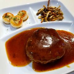 ディナー/煮込みハンバーグ/結婚記念日/暮らし 結婚記念日だったのであっさり和食晩ごはん…