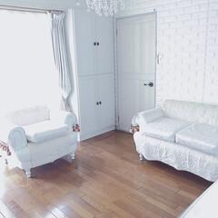 ホワイトインテリア/リビング/本棚/ニトリ/家具/収納 ♡ ・ リビング窓側のニトリの本棚❣️ …