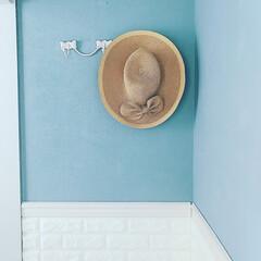 麦わら帽子/リボンモチーフ/インテリアフック/壁面ディスプレイ/壁面/雑貨/... ♡ ・ 我が家の壁面ディスプレイ。 ・ …
