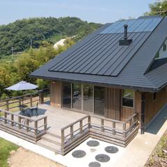 木造/大屋根/漆喰/自然素材/OMソーラ/手漉き和紙/... 雪浦の家。南東側外観です。