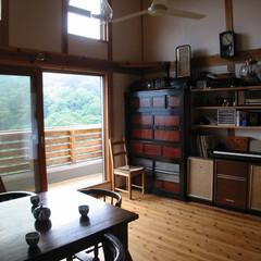 国産木材/木の家/漆喰/セルフビルド/シンプル 神奈川県藤野の家。自然に囲まれた、南傾斜…