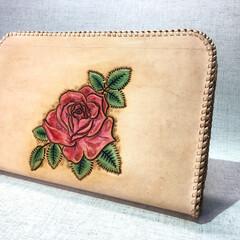 財布/バラ/カービング/ハンドメイド/手作り/ハンドメイド雑貨/... バラのカービング、革レース巻の大型財布 …(1枚目)