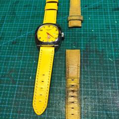 時計/時計バンド/オーダーメイド/革ベルト/黄色/レザー 色あせてしまった 時計バンドの作り替えで…
