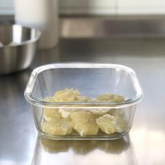 耐熱ガラス保存容器/耐熱ガラス/レモンシロップ漬け/レモンシロップ/Instagram @maaco.uw/100均/... 初レモンシロップ作り! レモンは国産では…