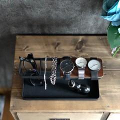 アクセサリー 収納 トレイ スタンド 腕時計 おしゃれ タワー tower ホワイト/ブラック(アクセサリーケース)を使ったクチコミ「これだけ腕時計のしゅるいもはっきりしてい…」
