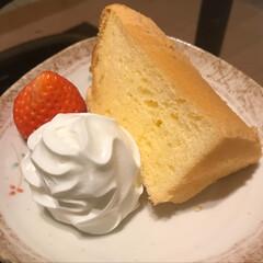 手作りシフォンケーキ 昨日は旦那氏の誕生日。 久しぶりにシフォ…