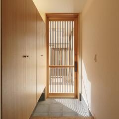 玄関/和風/格子戸/玄関収納