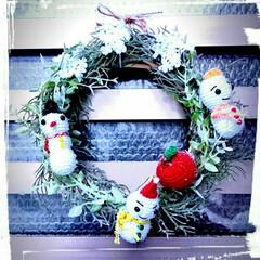 りんご/フェイクグリーンリース/フェイクグリーン/リース/雪の結晶モチーフ/雪ダルマ/... 母の最新作🎵冬のリースです⛄フェイクグリ…