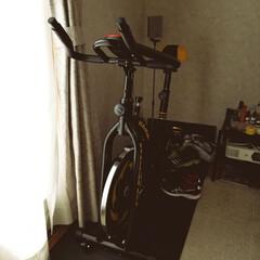 スピンバイク/トレーニング こんにちは☁  昨日の夕方、ピンポーンと…