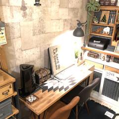 オルテガ/ブラケットランプ/コンクリート壁紙/DIY女子/イームズチェア/salut!/... ずっと変えたかったパソコンデスク。 素敵…