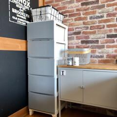 ベッドルーム/和室を洋室に/ふすまリメイク/DIY女子/セルフリノベーション/レンガ柄壁紙/... IKEAのこれ名前なんて言うんやろ(笑)…