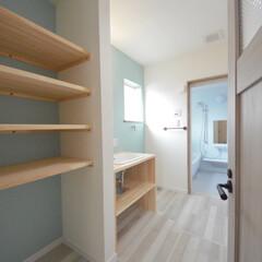 収納棚/新築一戸建て/大好きな色/マイホーム計画中/手づくり洗面/洗面室/... 収納たっぷり洗面室と手づくり洗面。 …(1枚目)