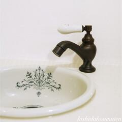 京都府/宇治市/注文住宅/輸入住宅/フレンチハウス/プロヴァンスハウス/... アンティークで可愛らしい手洗いスペース …