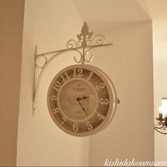 時計/フレンチハウス/自然素材/注文住宅/宇治市/京都府 ヨーロッパの街並みで見かけそうな時計