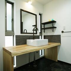 マイホームが欲しい/家づくり/マイホーム計画中/デザイン/アンティーク水栓/天然無垢/... 天然無垢の一枚板を使った手づくり洗面化粧…(1枚目)