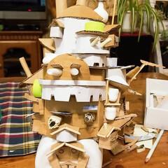 ジブリ大好きおじさん/私のDIY【第3】/ボチボチ頑張る/途中経過/リサイクルハンドメイド/ハウルの動く城/... だいたいの形が出来てきました。😄🏡✨ ダ…