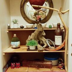 ジブリ/小物/棚/DIY/住まい/玄関 玄関の靴棚の真ん中のスペースに小物を置け…