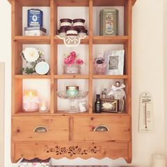 100均/生活雑貨/手芸/DIY/お気に入り/飾り棚/... 10年程前に作った飾り棚。 100均の小…