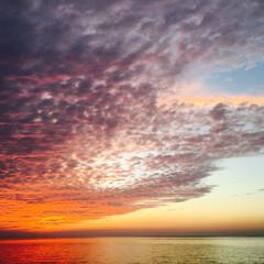 日没/サンセット/淡路島/夕日 台風接近前の27日(金) 淡路島の秋のサ…