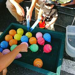 こども/ヨーヨー/夏の思い出/夏祭り 近所の小さな夏祭り。 ヨーヨー釣りなのに…