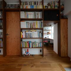 棚/構造用合板/書棚/書庫 棚板の高さや幅ももちろんオーダー。 自然…