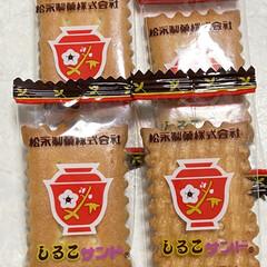 松永製菓 スター しるこサンド 230g 1袋(クッキー、ビスケット)を使ったクチコミ「お土産でいただきました😆🎶 久しぶりに食…」