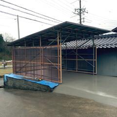 車庫/トタン/タンカン/ガレージ/タンカンガレージ タンカンガレージ。足元にもコンクリートで…