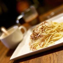 塩コショウ/玉ねぎ/シーチキンはカツオじゃなくてマグロで😊 シーチキンと玉ねぎだけのパスタ  簡単だ…