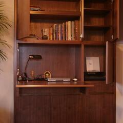 収納/壁面収納/ウォルナット/フラット/リビング/家具/... 壁面と同じフラットなイメージの多機能収納…