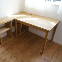 インテリア/家具/収納/机/デスク/無垢/... シンプルな机と棚  シンプルですが、細か…