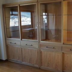 インテリア/家具/リビング/ナラ/ガラス/ショーケース 大きなガラス引戸が特徴のカップボード。