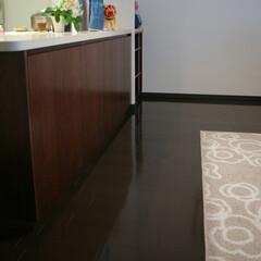 キッチン/カウンター/収納/オーダー/家具/ウォルナット/... キッチンカウンターのリビング側の下部に、…