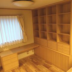 書斎/インテリア/本棚/机/デスク/ナラ/... 広いデスクとたくさん収納出来る本棚を組合…
