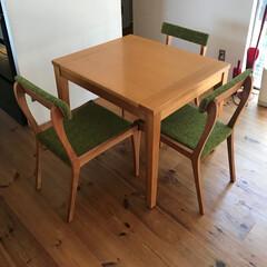 インテリア/家具/ダイニング/リビング/椅子 /チェアー/... 背面の曲線がかわいらしいオリジナルチェアー(1枚目)